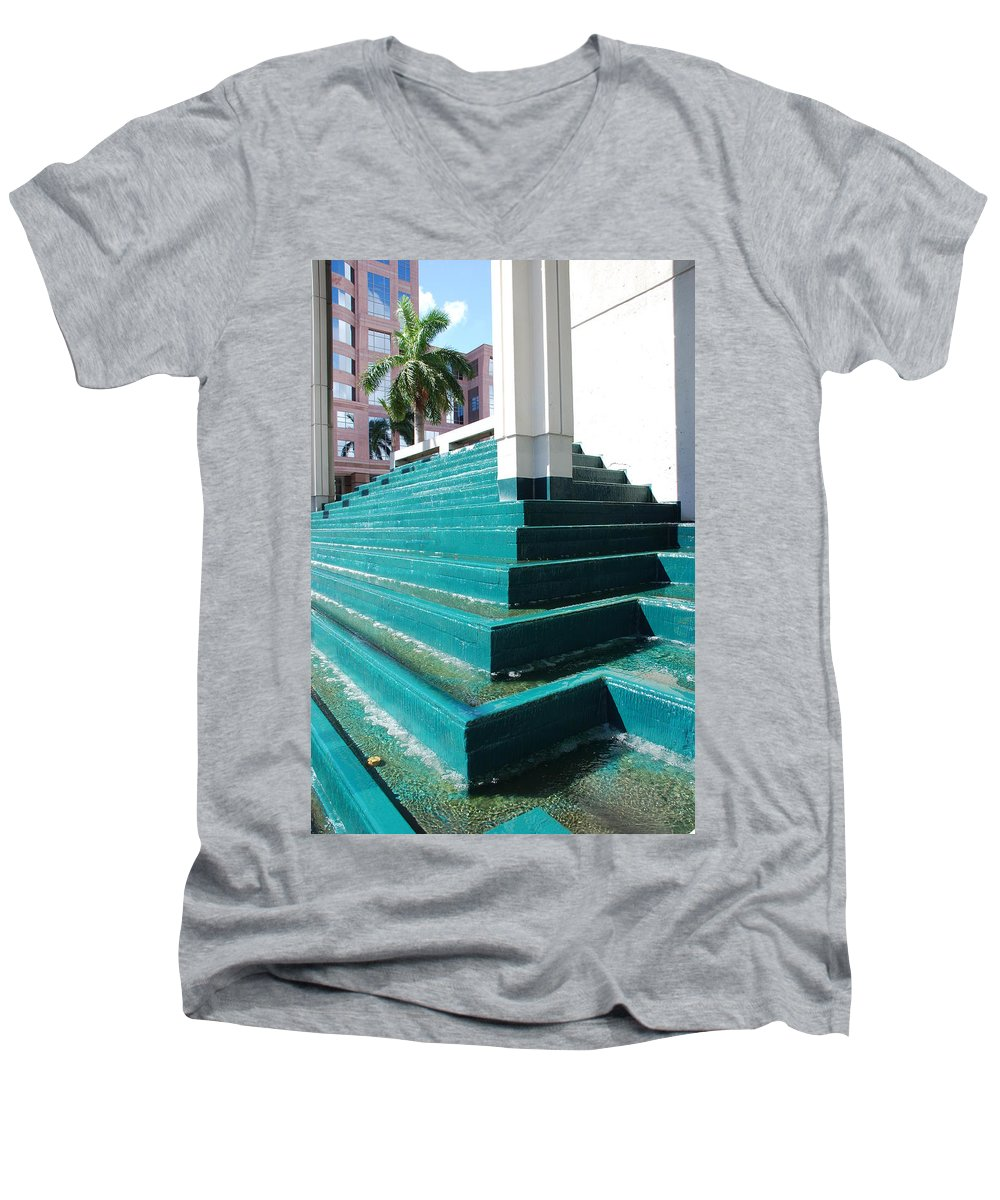 Architecture Men's V-Neck T-Shirt featuring the photograph Water At The Federl Courthouse by Rob Hans
