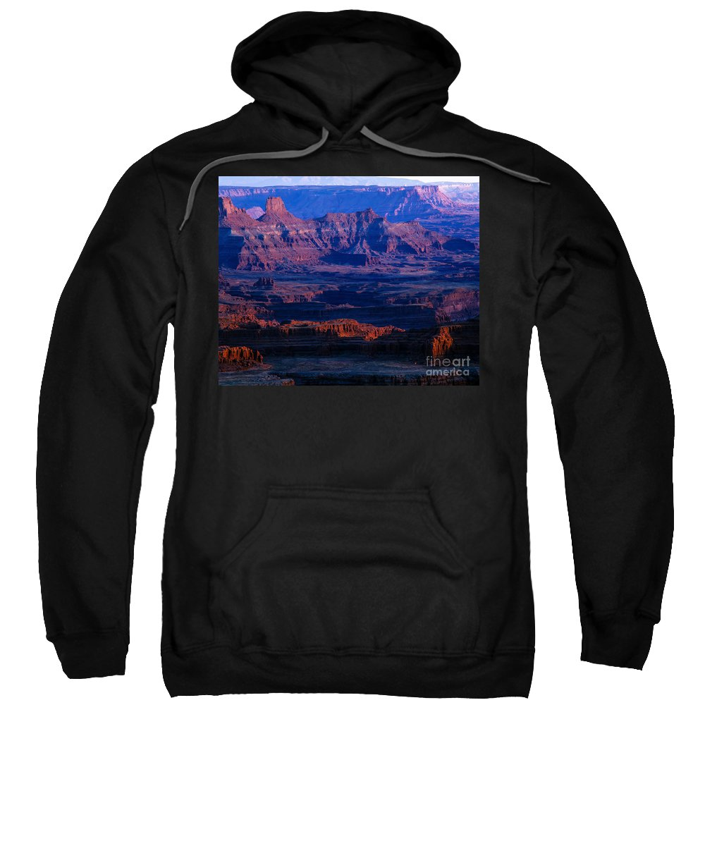 Afternoon Sun Sweatshirt featuring the photograph Needles Overlook by Tracy Knauer