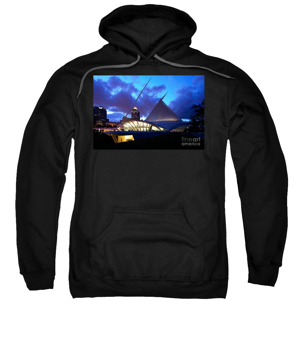 Skyline Scenes Sweatshirt featuring the photograph Milwaukee Art Museum by Bill Cobb