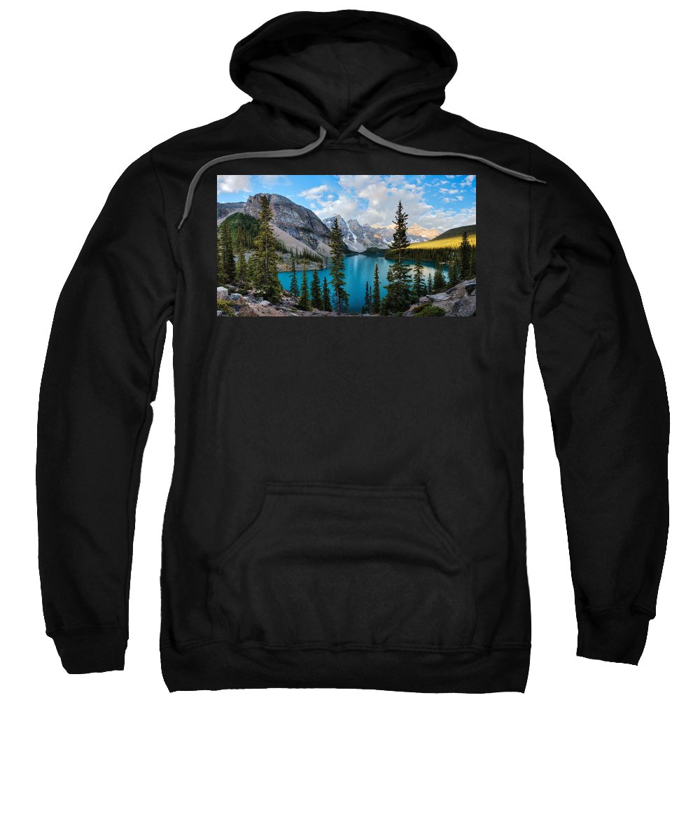 Valley Of The Ten Peaks Sweatshirt featuring the photograph Moraine by David Andersen