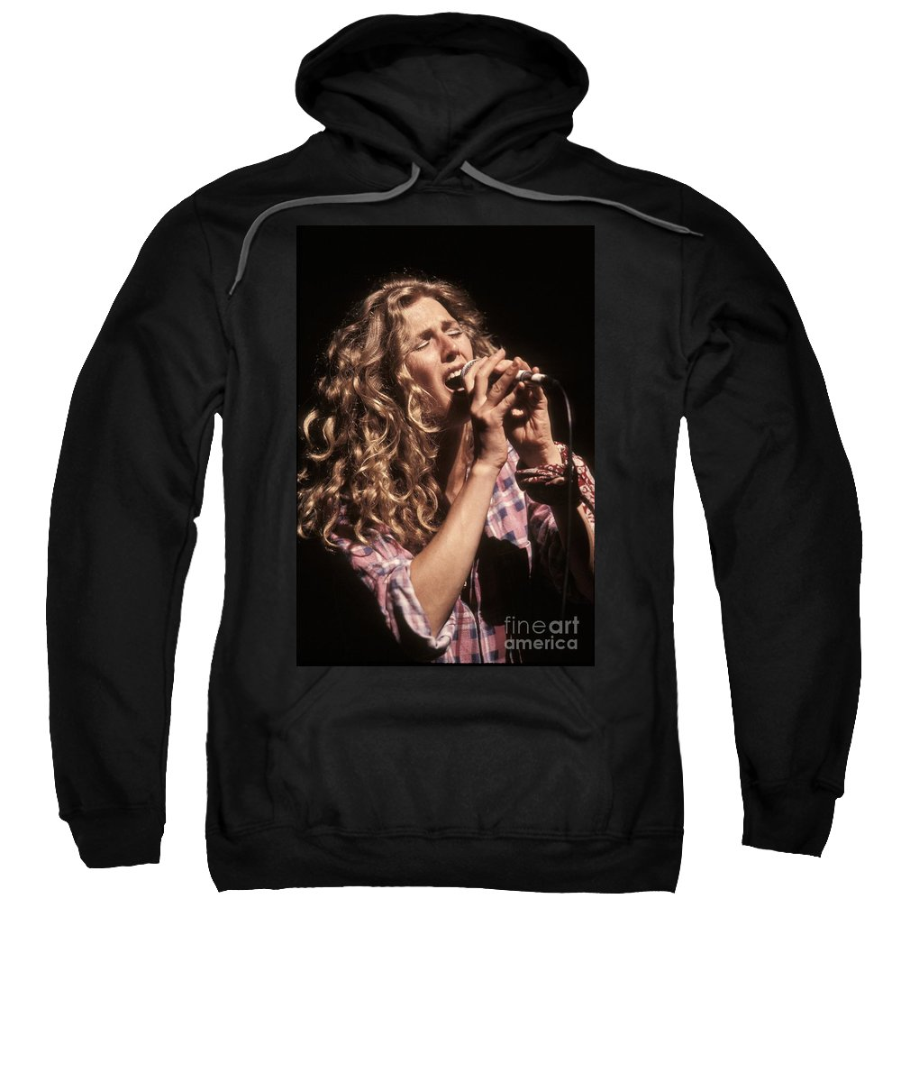 Performance Sweatshirt featuring the photograph Sophie B Hawkins by Concert Photos