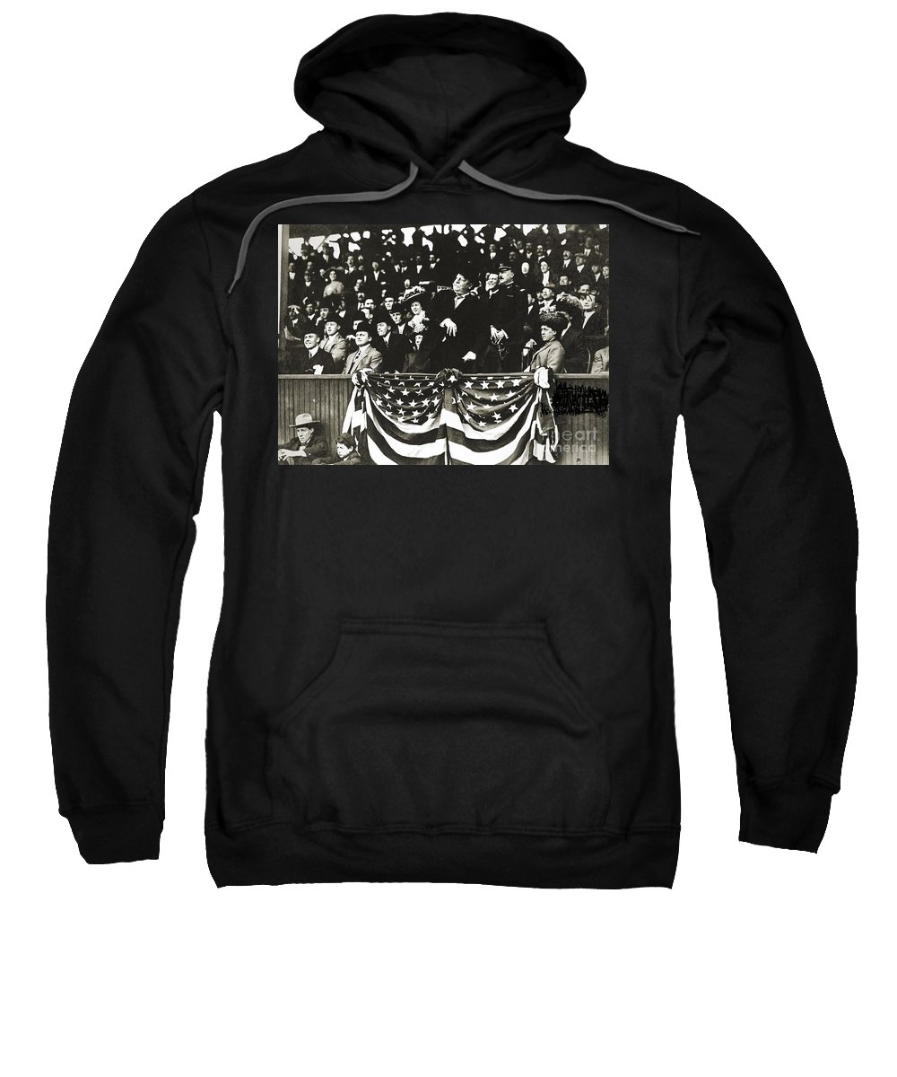 1910 Sweatshirt featuring the photograph William Howard Taft by Granger