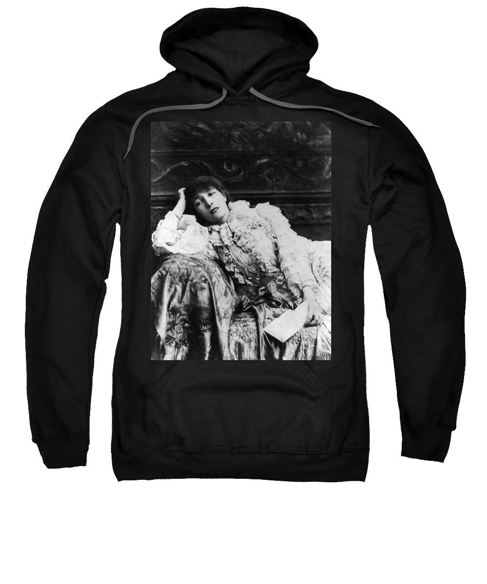 1880 Sweatshirt featuring the photograph Sarah Bernhardt by Granger