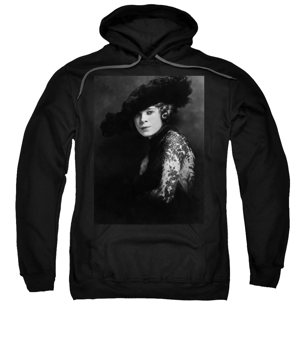 1920 Sweatshirt featuring the photograph Mae West (1892-1980) by Granger