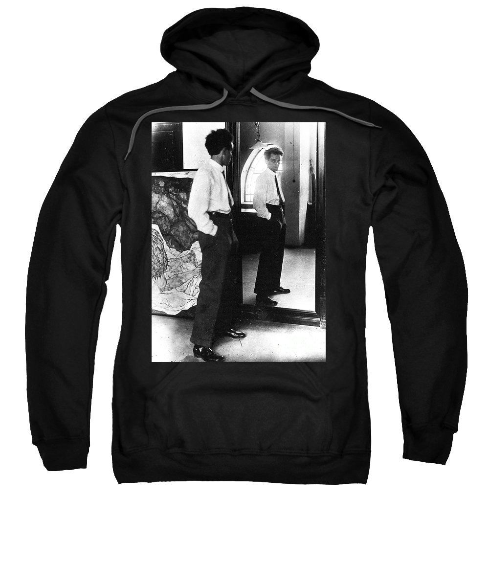 1915 Sweatshirt featuring the photograph Egon Schiele (1890-1918) by Granger
