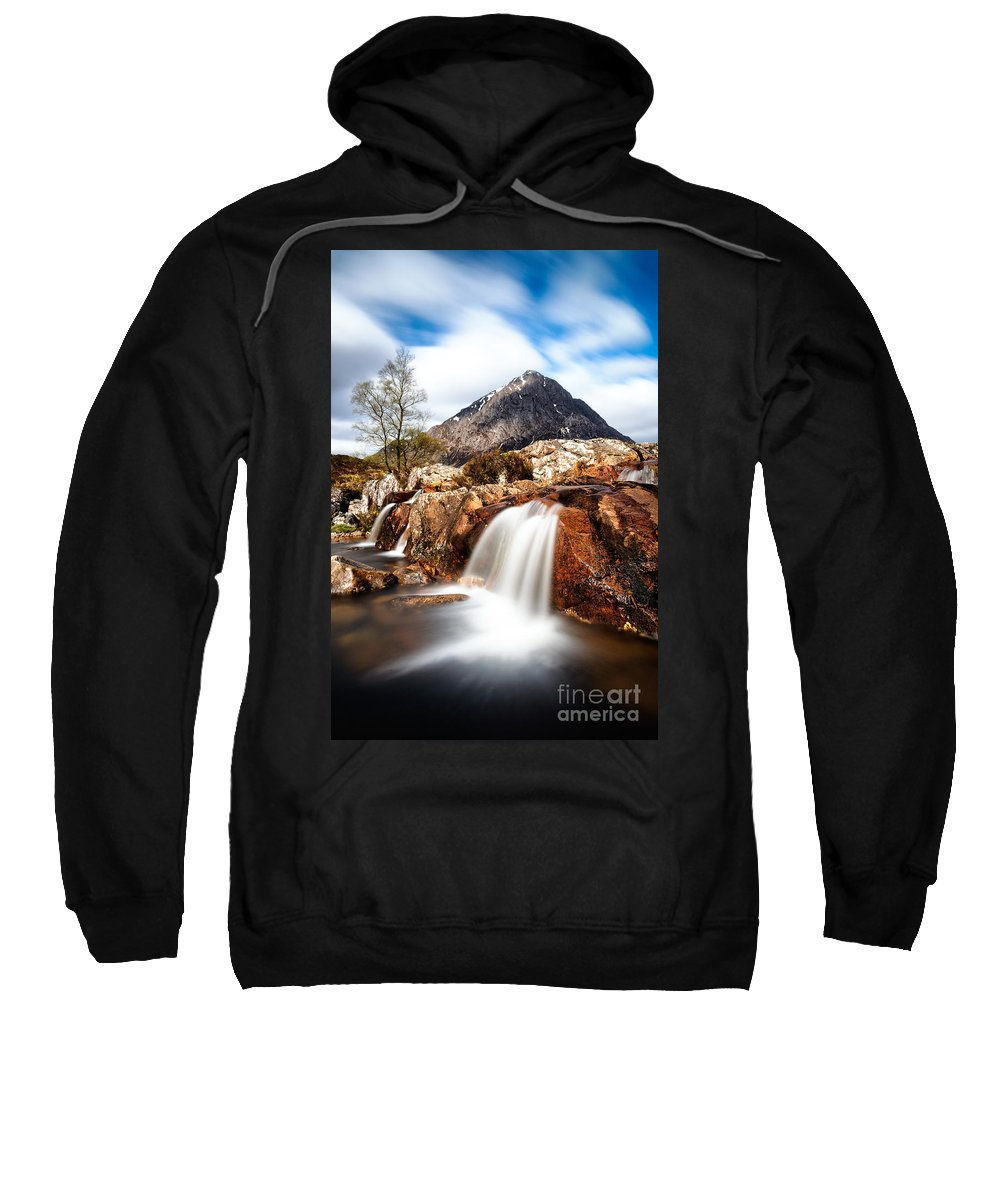 Uachaille Etive Mor Sweatshirt featuring the photograph Buachaille Etive Mor by Richard Burdon