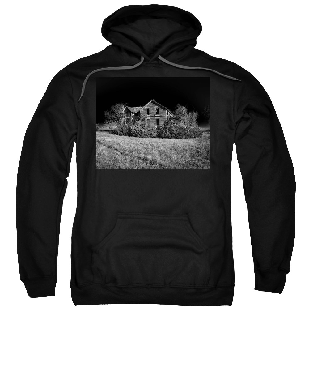 House Sweatshirt featuring the photograph Deserted House by Mike Scheufler