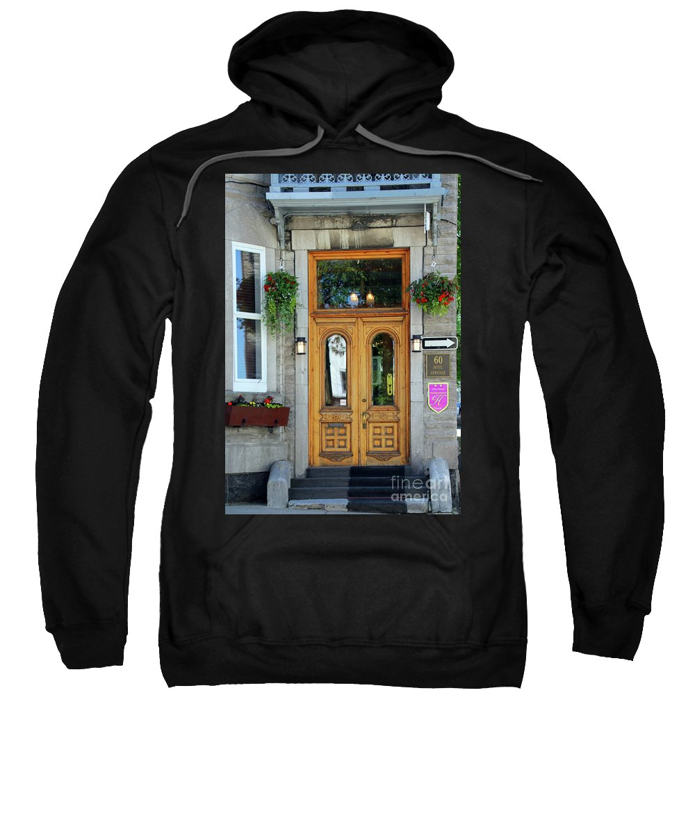 Hotel Ermitage Sweatshirt featuring the photograph Hotel Ermitage Quebec City 6526 by Jack Schultz