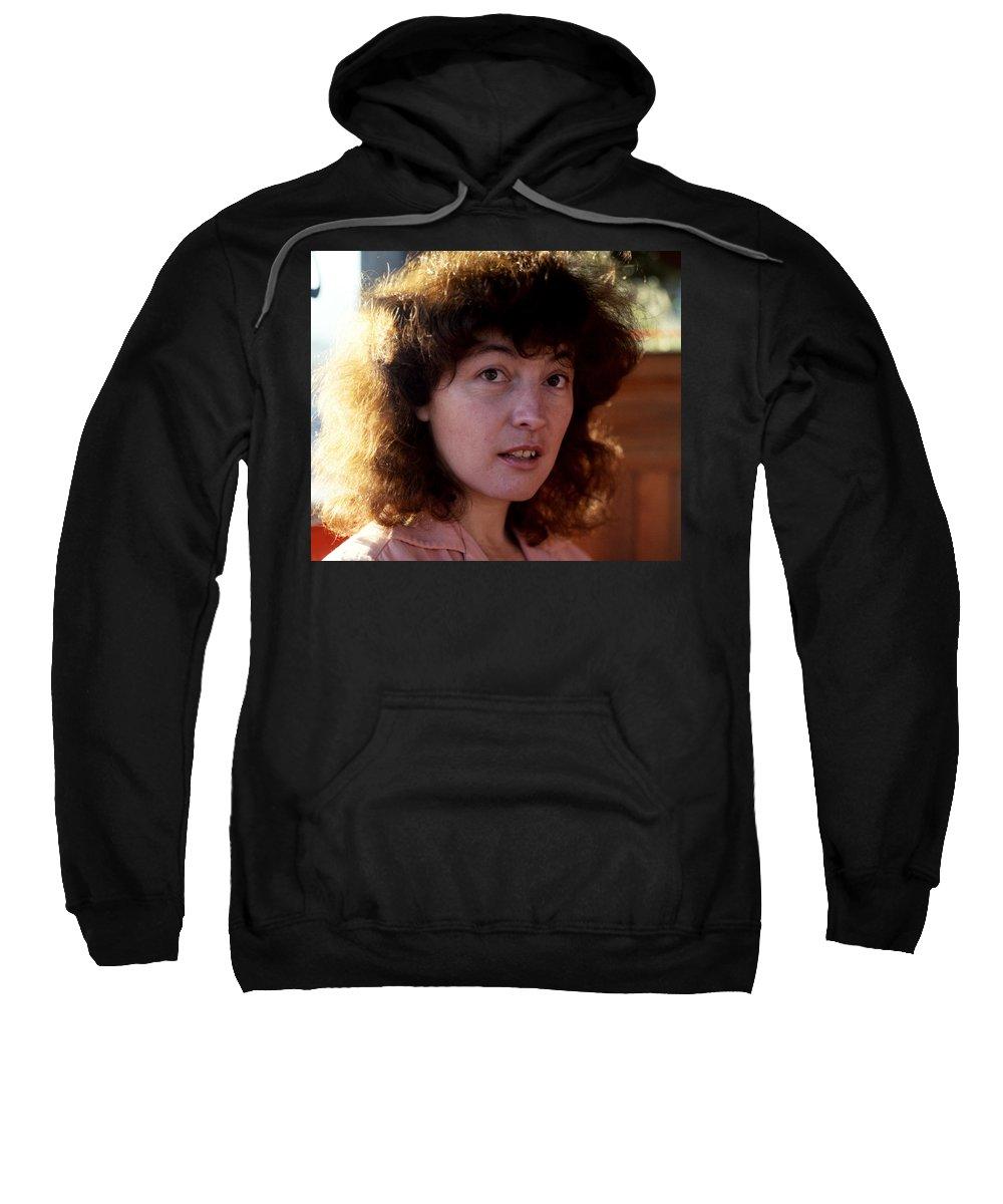 Portraits Sweatshirt featuring the photograph Linda by Lee Santa