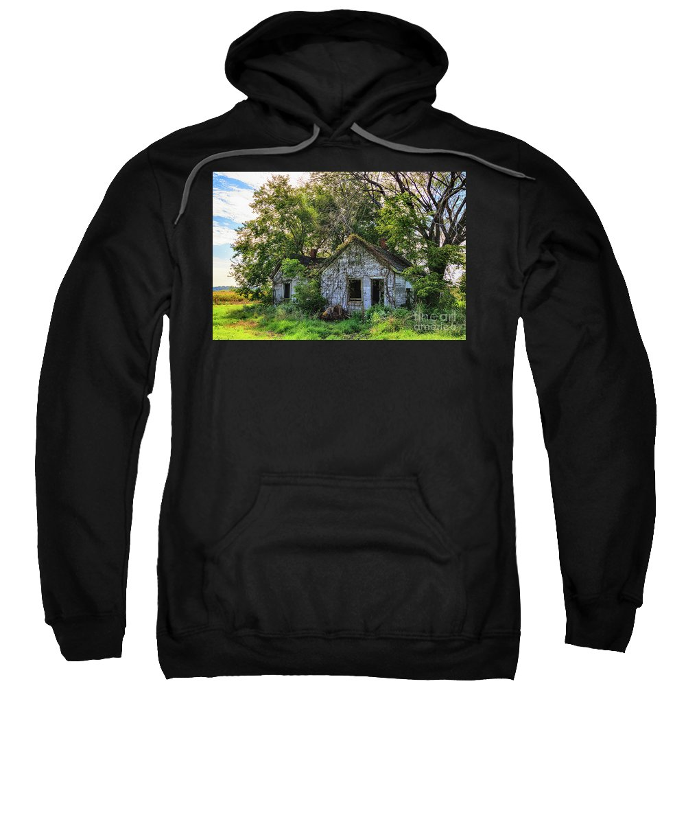 Barn Sweatshirt featuring the photograph Old House Blues by Terri Morris
