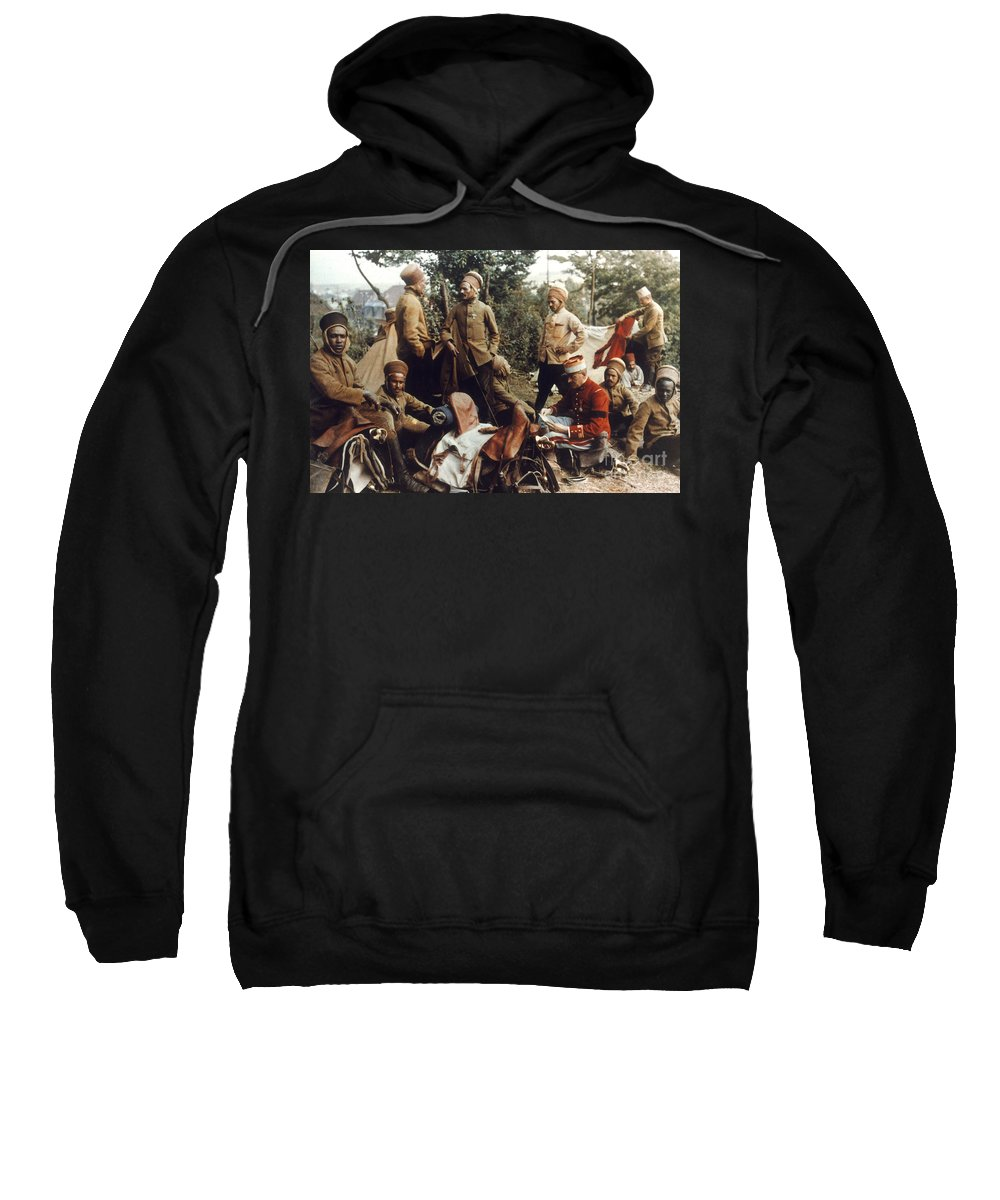 1915 Sweatshirt featuring the photograph World War I: French Troops by Granger