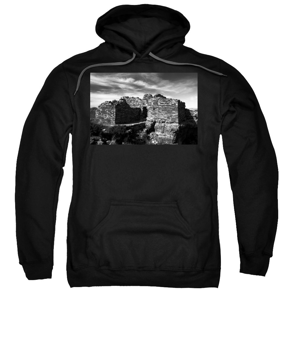 Wupatki National Monument Arizona Sweatshirt featuring the photograph Wupatki by David Lee Thompson