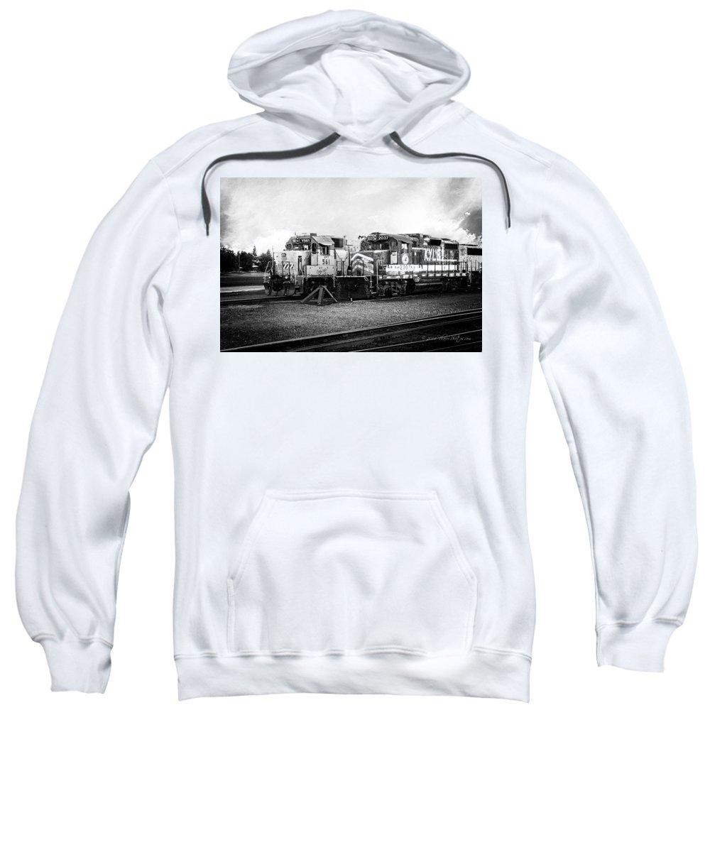 California Sweatshirt featuring the photograph Dead-enders by Jim Thompson