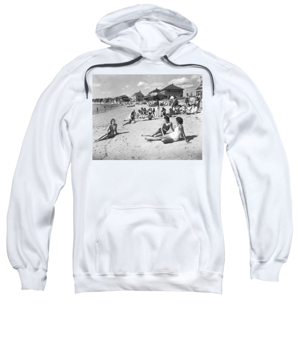 1929 Sweatshirt featuring the photograph Silver Beach On Cape Cod by Underwood Archives