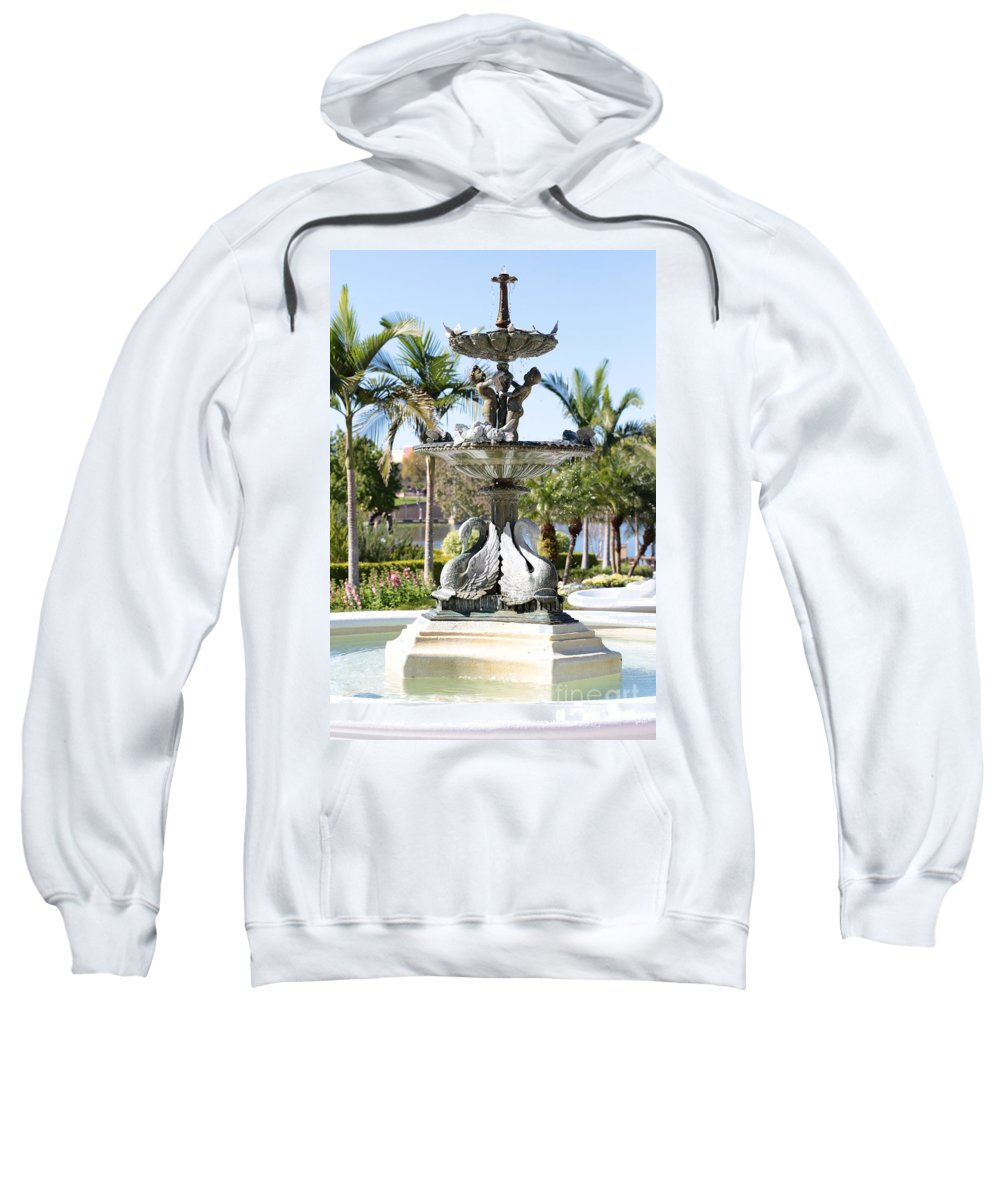 Lakeland Sweatshirt featuring the photograph Swan Fountain In Lakeland by Carol Groenen