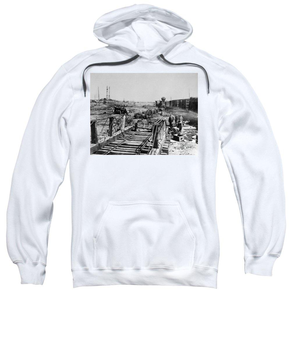 1862 Sweatshirt featuring the photograph Civil War: Manassas, 1862 by Granger