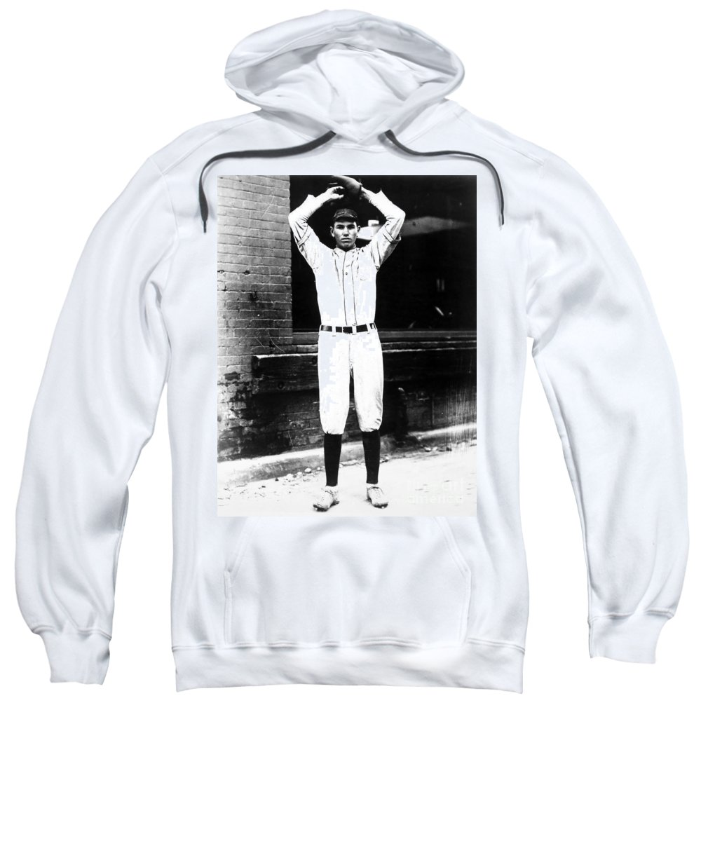 1920s Sweatshirt featuring the photograph Dizzy Dean (1911-1974) by Granger