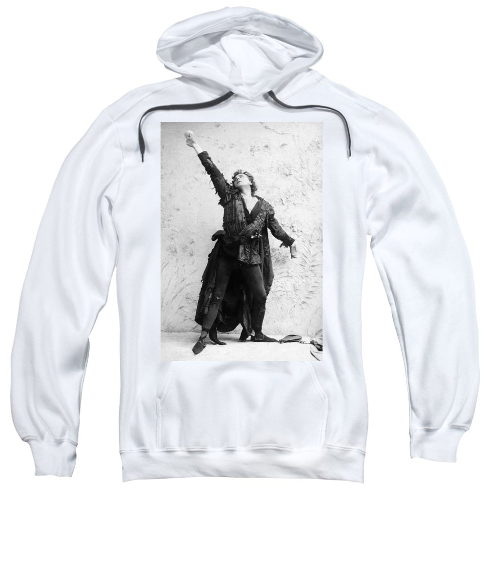 19th Century Sweatshirt featuring the photograph Sir Herbert Beerbohm Tree by Granger