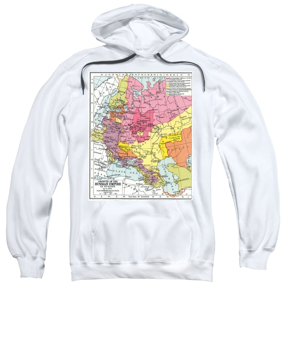 1914 Sweatshirt featuring the painting Map: Expansion Of Russia by Granger