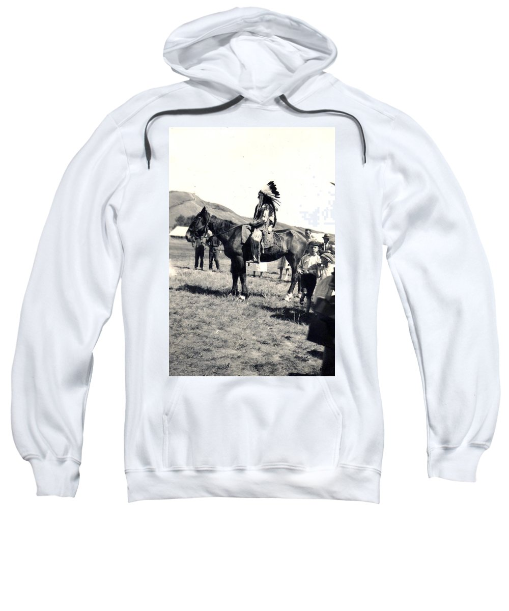 Horse Native Indian Cree Head Dress Eagle Feathers Leather Clothing 1920s Meeting Pioneers Children Valley Saskatchewan Artist Sweatshirt featuring the photograph 1920s Native And Crowd by Andrea Lawrence