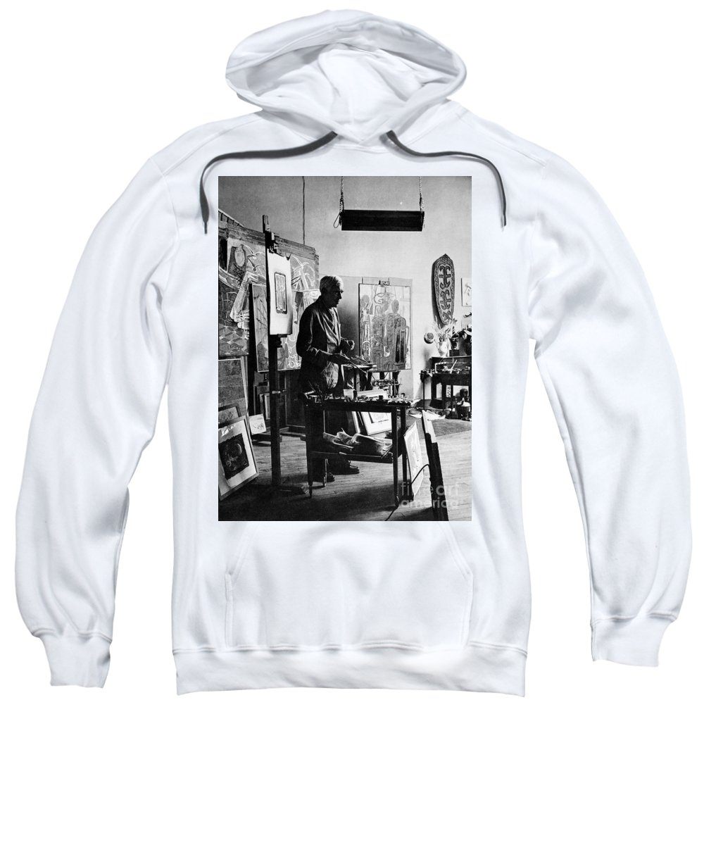 20th Century Sweatshirt featuring the photograph Georges Braque (1882-1963) by Granger