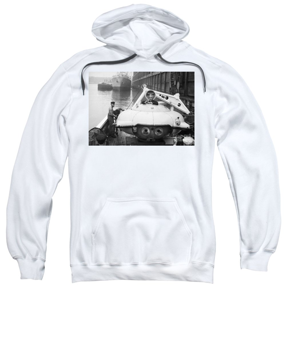 1959 Sweatshirt featuring the painting Jacques Cousteau (1910-1997) by Granger