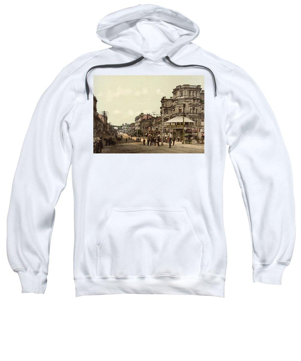 Krestchatik Sweatshirt featuring the photograph Krestchatik Street In Kiev - Ukraine - Ca 1900 by International Images