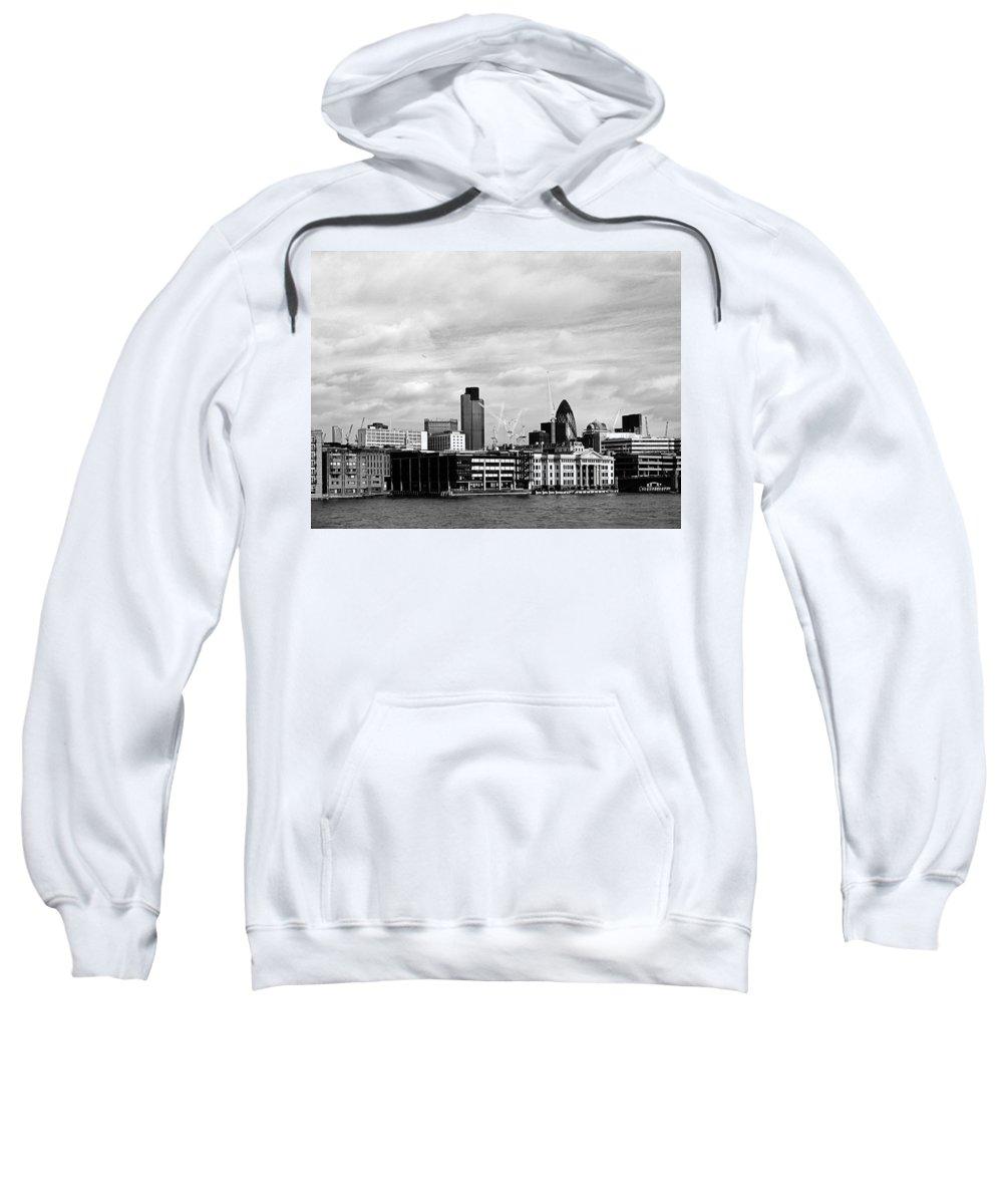 London Sweatshirt featuring the photograph London by Osvaldo Hamer