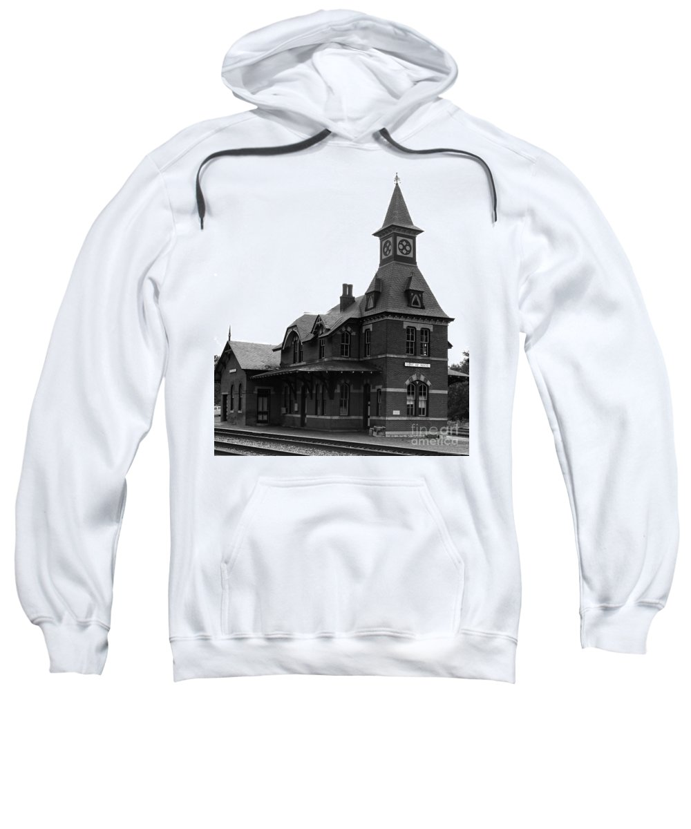Train Sweatshirt featuring the photograph Point Of Rocks IIi by Thomas Marchessault