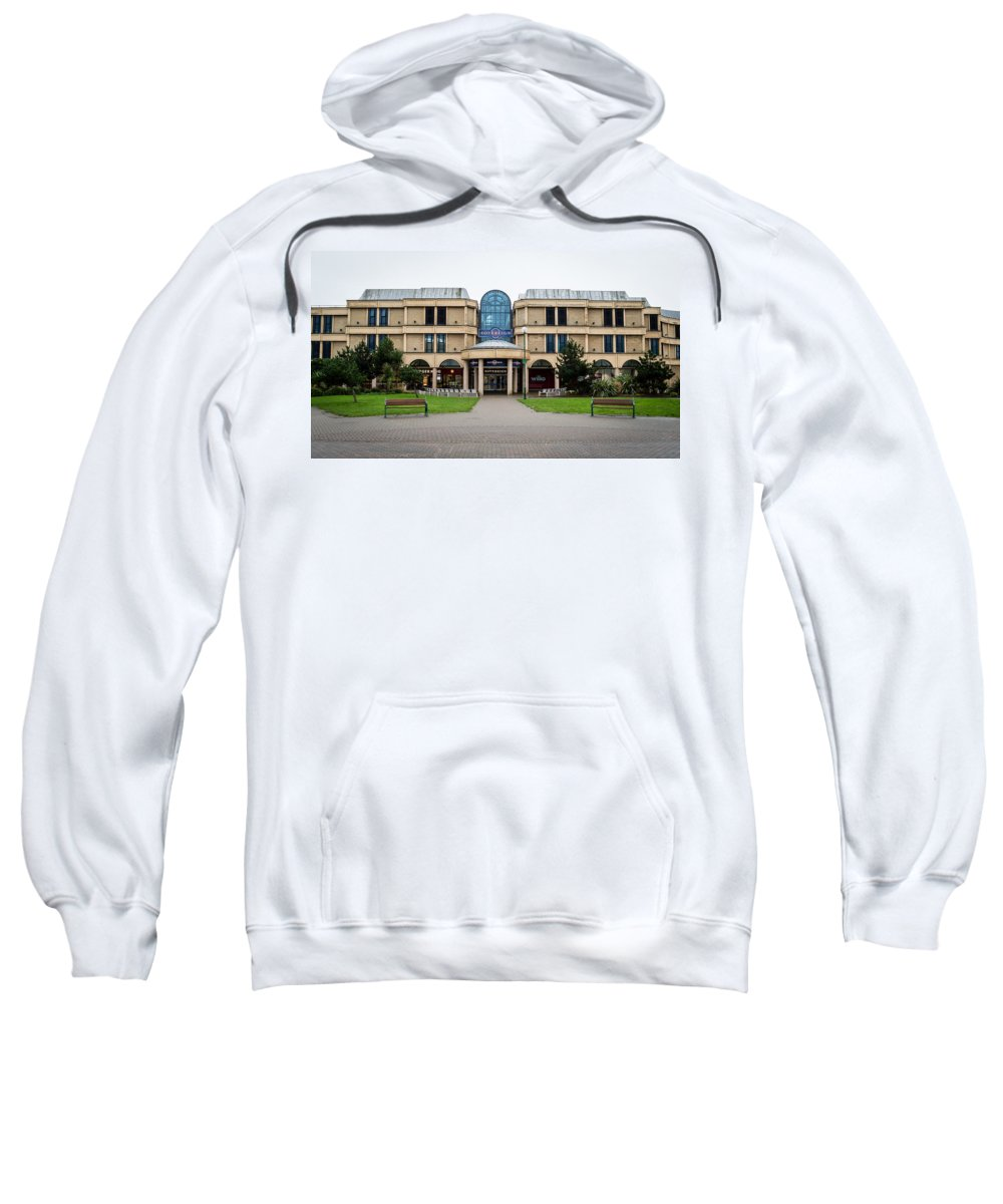 16x9 Sweatshirt featuring the photograph Sovereign Shopping Centre - Entrance From The Garden by Jacek Wojnarowski