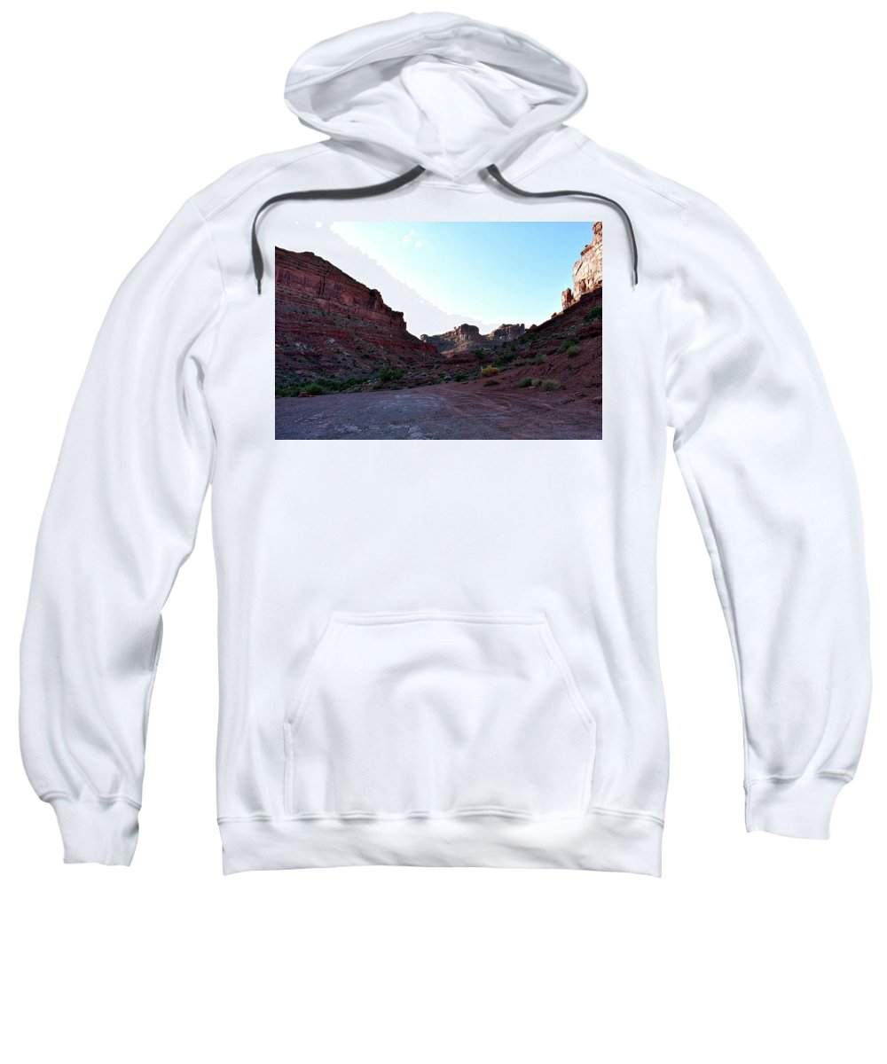 Valley Of The Gods Sweatshirt featuring the photograph Sunset Tour Valley Of The Gods Utah 07 by Thomas Woolworth