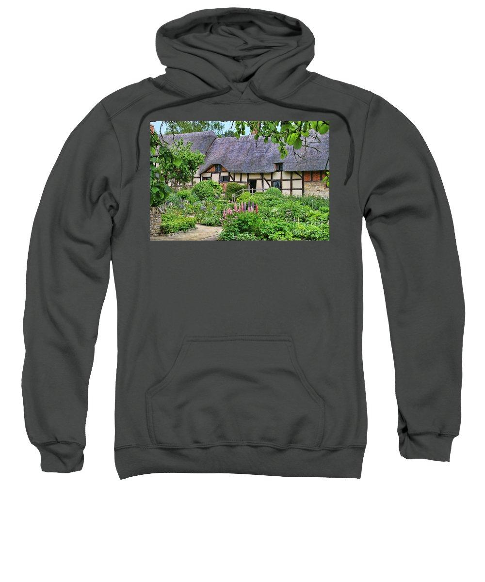 Anne Hathaway's Cottage Sweatshirt featuring the photograph Anne Hathaways Cottage 5975 by Jack Schultz