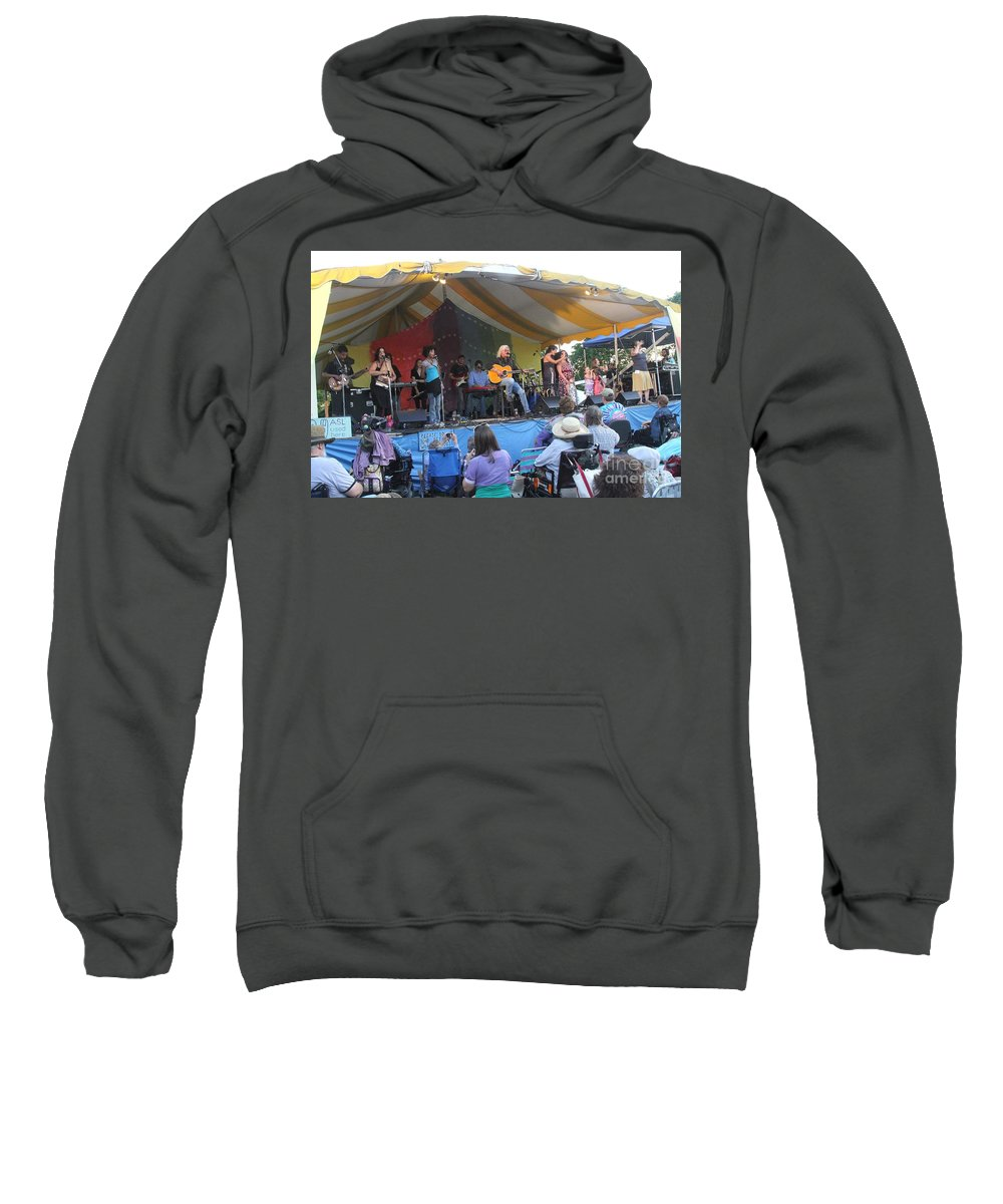 Arlo Guthrie & Family Sweatshirt featuring the photograph Arlo Guthrie And Family by Concert Photos
