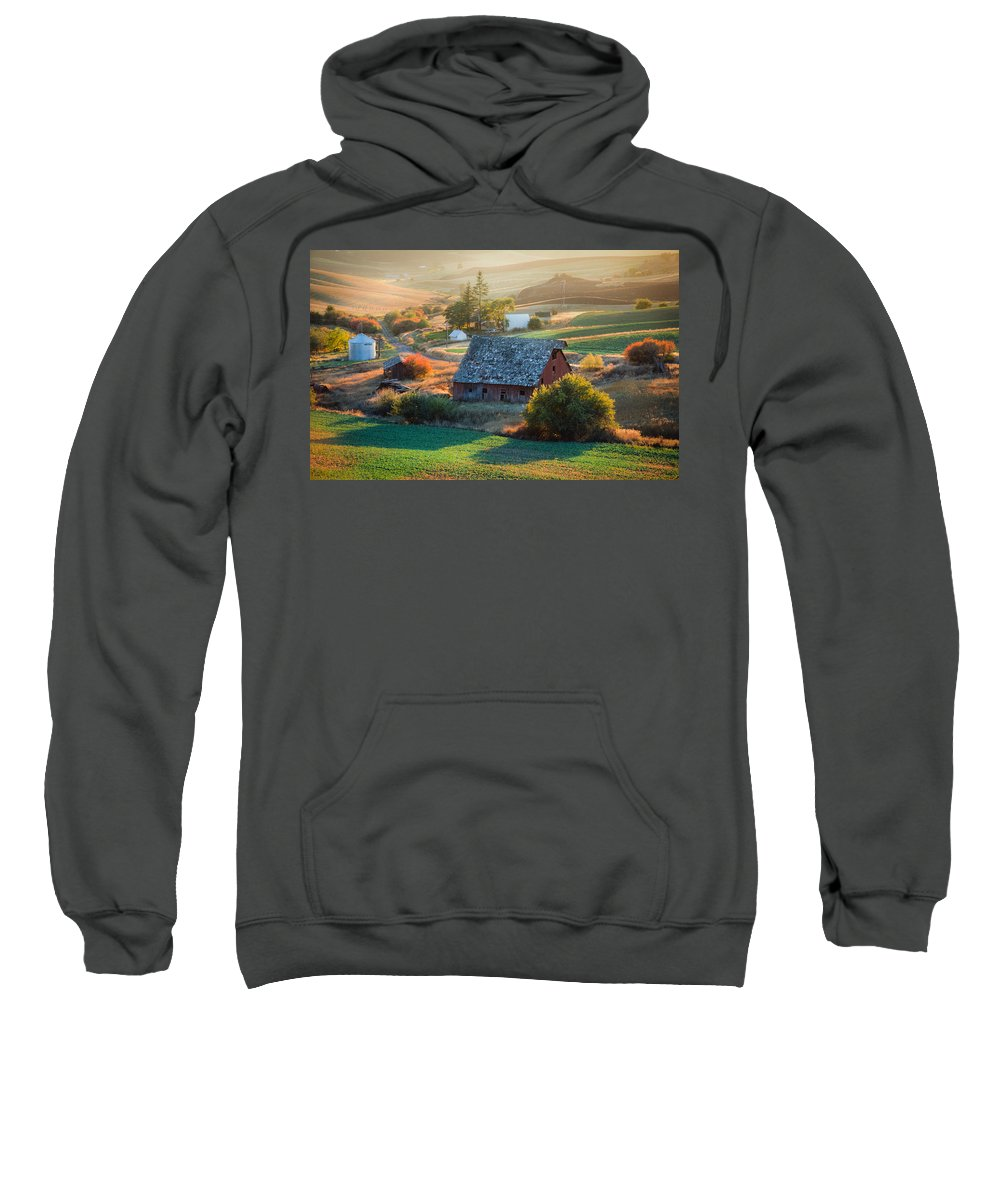 Farm Sweatshirt featuring the photograph Old Farm In Eastern Washington by Mike Penney