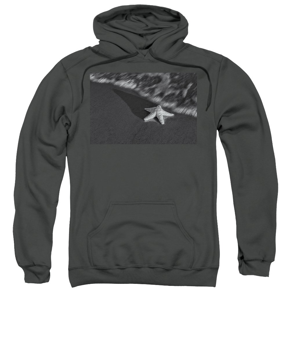 Star Sweatshirt featuring the photograph Starfish On The Beach Bw by Susan Candelario