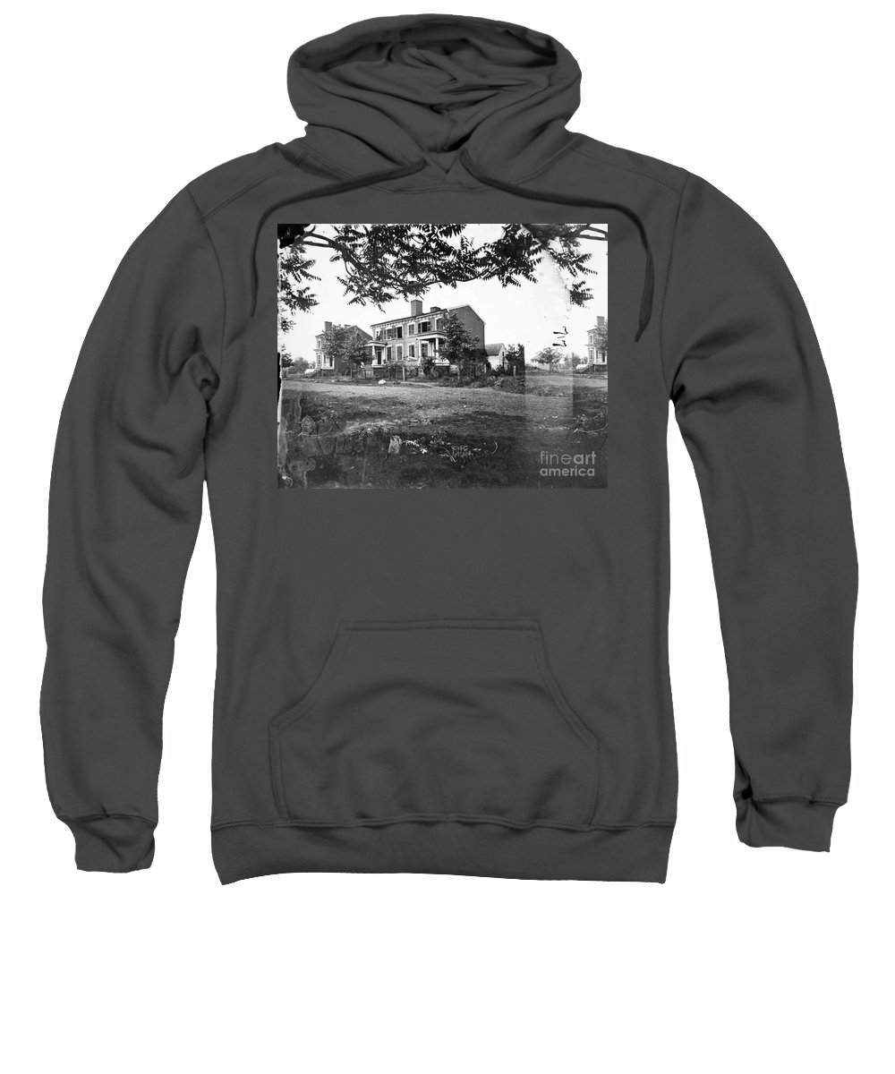 1862 Sweatshirt featuring the photograph Civil War: Fredericksburg by Granger