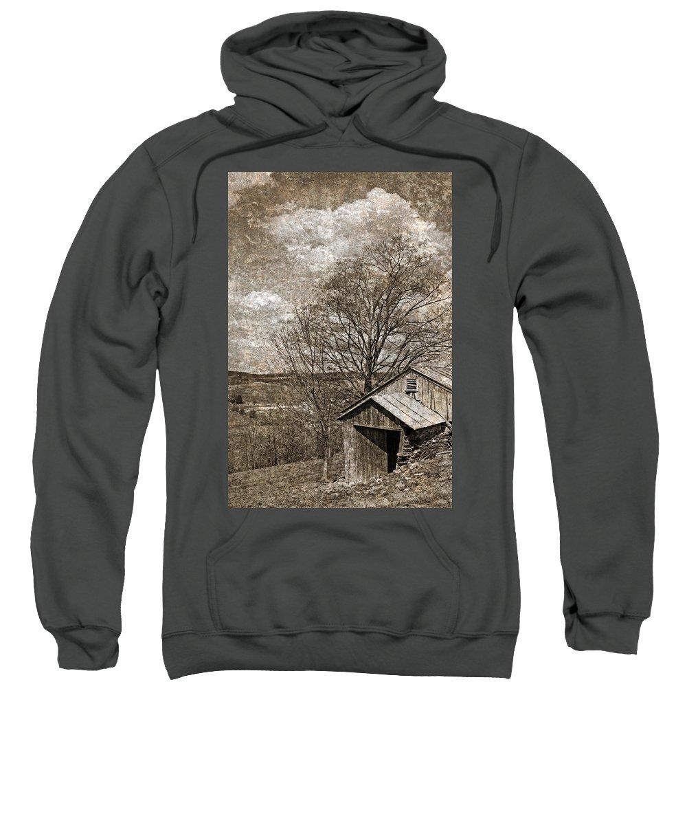 Tin Sweatshirt featuring the photograph Rustic Hillside Barn by John Stephens