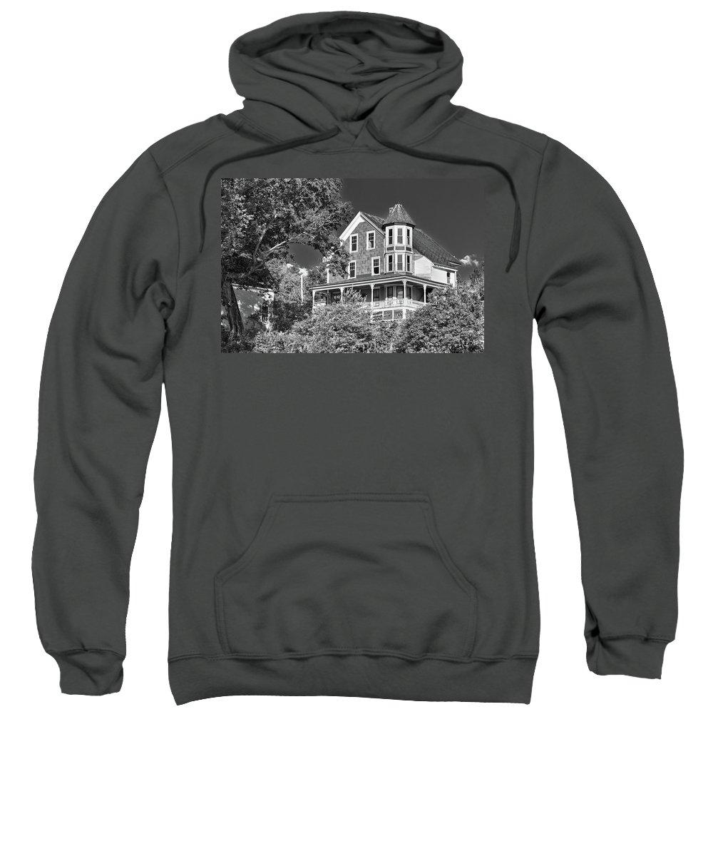 Guy Whiteley Photography Sweatshirt featuring the photograph The Old Homestead by Guy Whiteley
