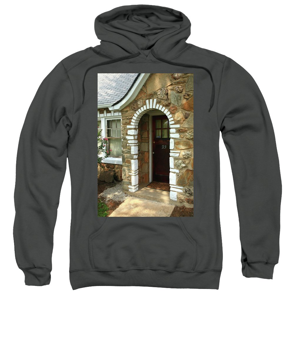 66 Sweatshirt featuring the photograph Route 66 - Wagon Wheel Motel by Frank Romeo