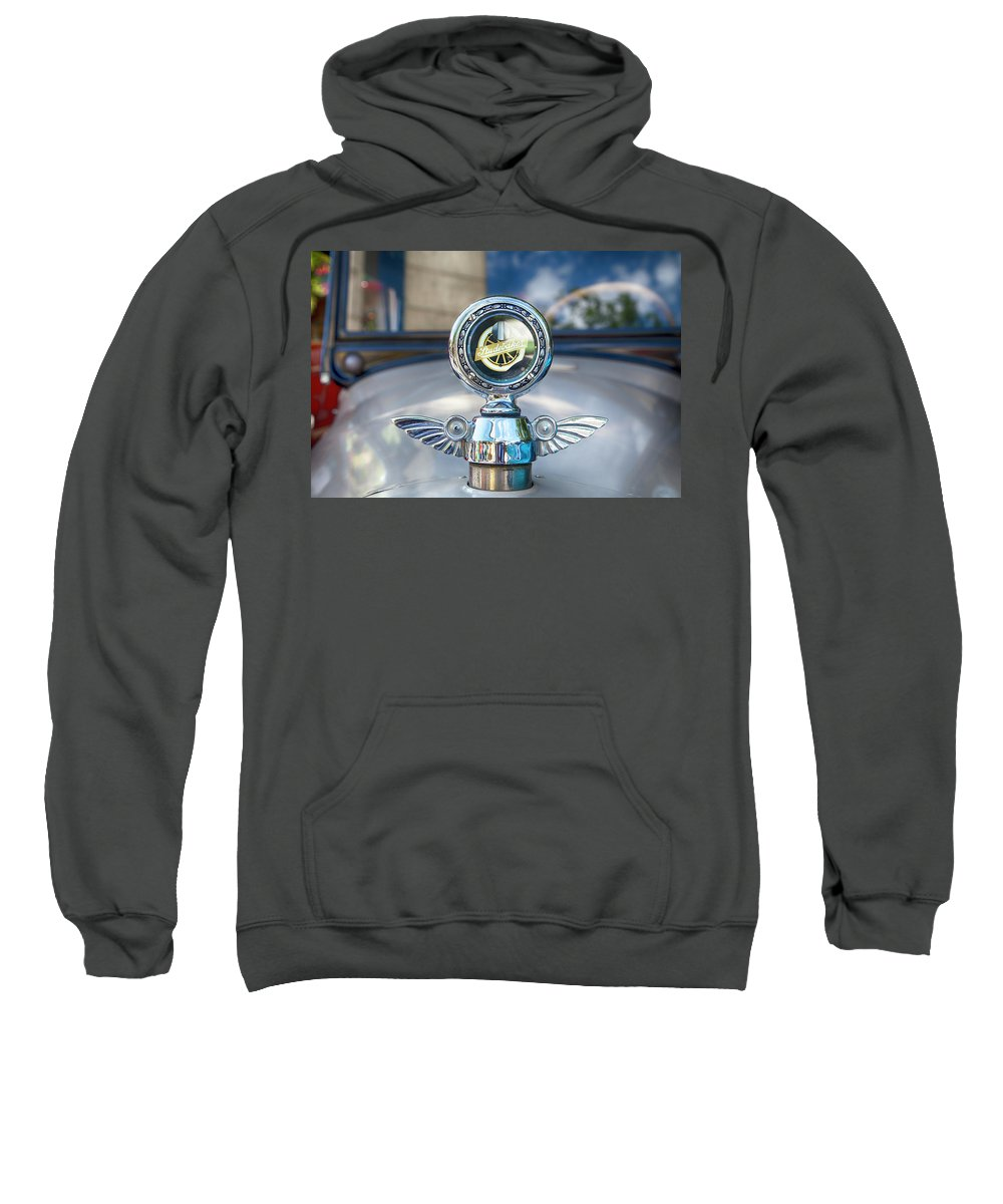 Old Cars Sweatshirt featuring the photograph 1925 Studebaker by Theresa Tahara