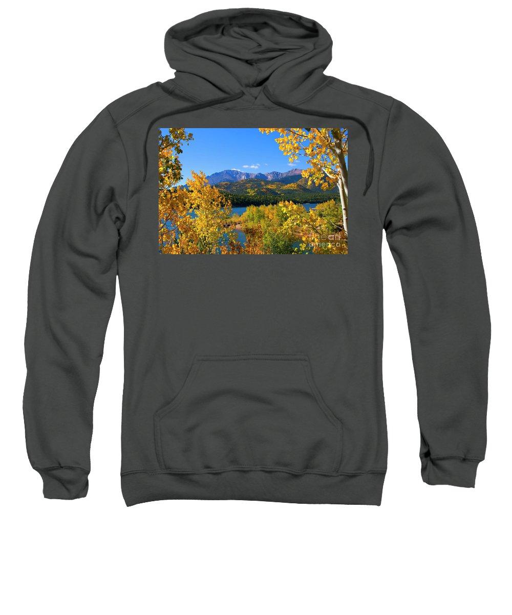 Crystal Reservoir Sweatshirt featuring the photograph Aspen On Pikes Peak And Crystal Reservoir by Steve Krull