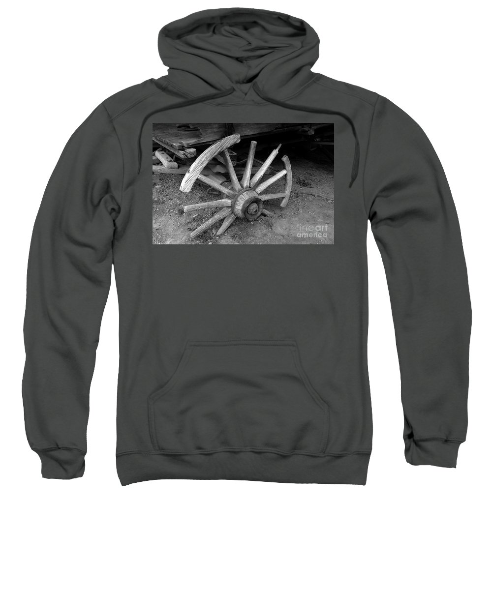 Wagon Wheel Sweatshirt featuring the photograph Broken Wheel by David Lee Thompson