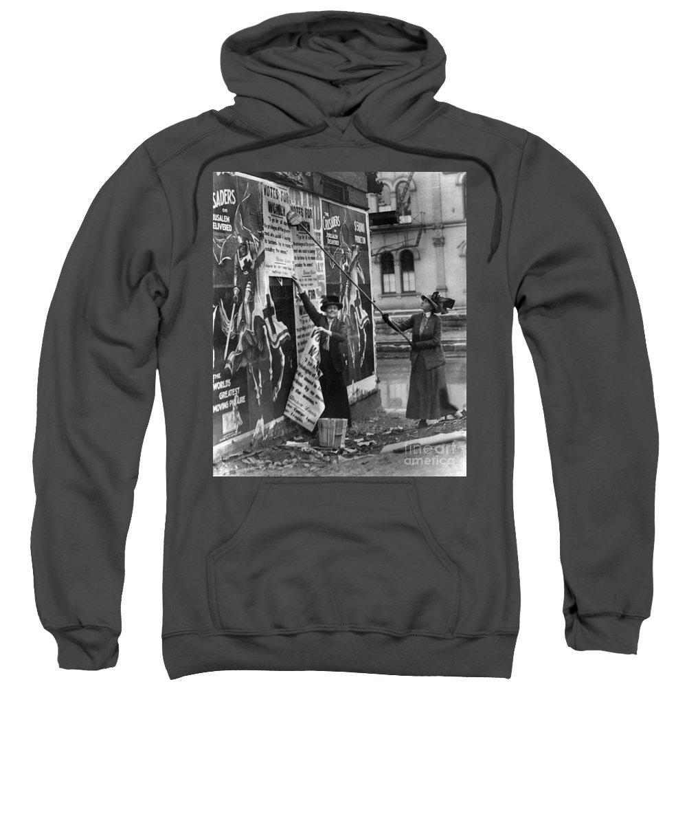 1912 Sweatshirt featuring the photograph Cincinnati: Suffragettes by Granger