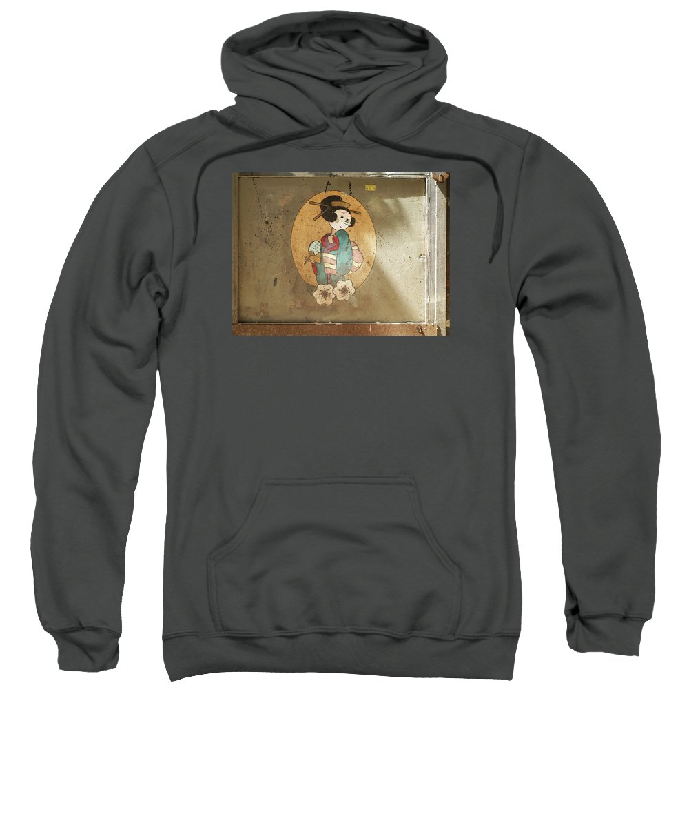 Graffiti Sweatshirt featuring the painting Gheisha by Roger Muntes