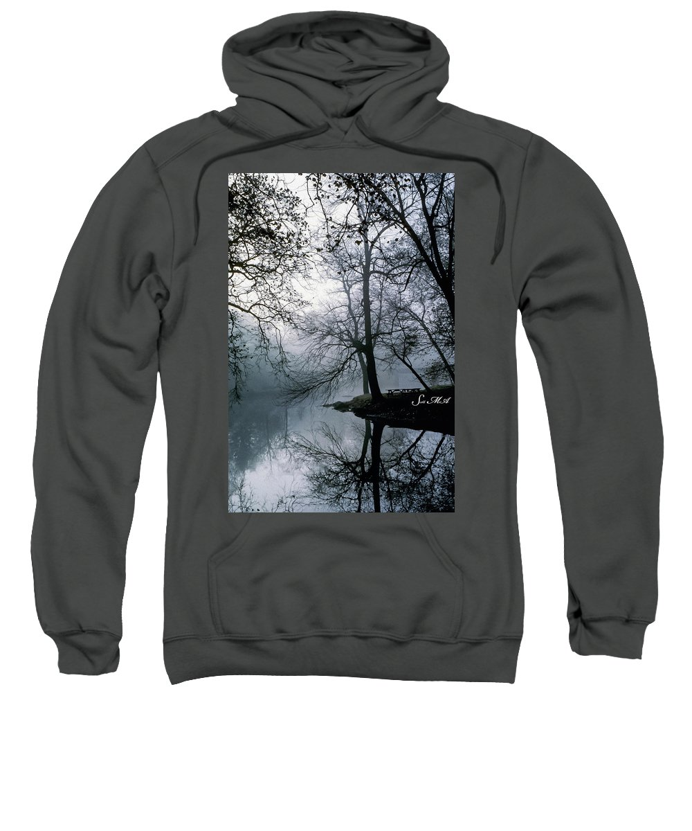 Grings Mill Recreation Area Sweatshirt featuring the photograph Grings Mill Fog 1043 by Scott McAllister