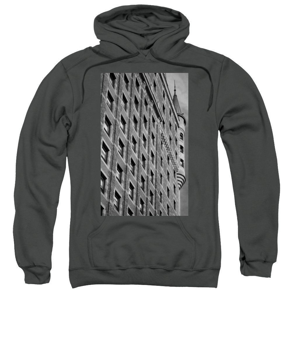 North America Sweatshirt featuring the photograph Le Chateau Frontenac by Juergen Weiss