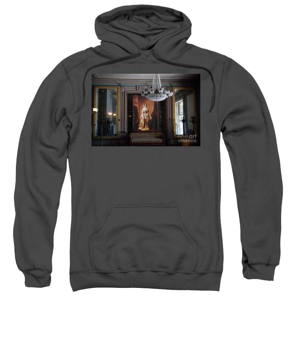Aiken Rhett House Sweatshirt featuring the photograph Living Large by Dale Powell