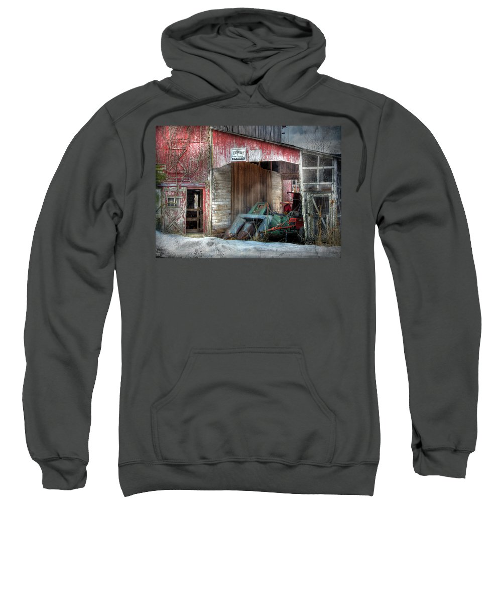 Old Red Barn Sweatshirt featuring the photograph Rye Valley Stock Farm by Lori Deiter