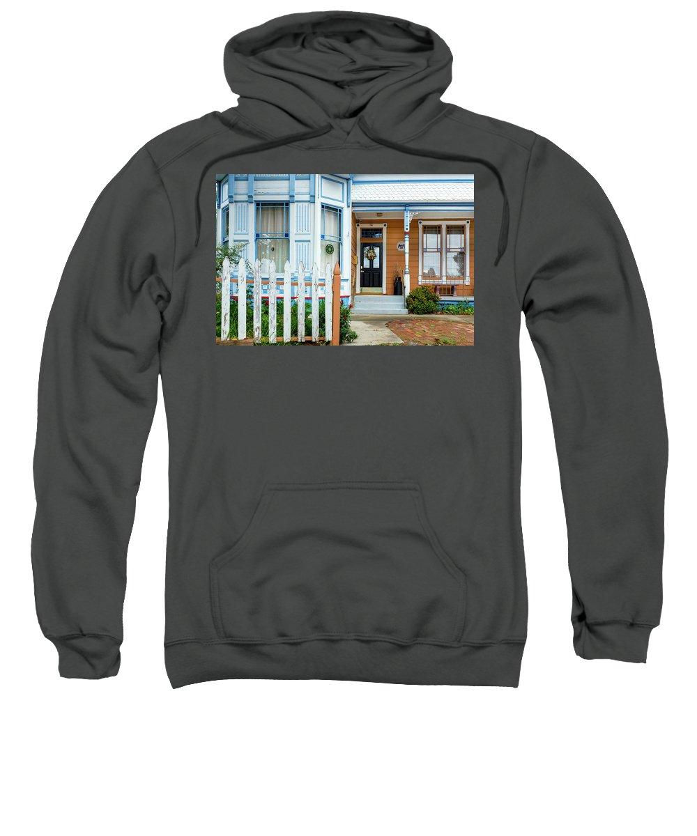 Suburbia Sweatshirt featuring the photograph Suburban House Hayward California 9 by Kathy Anselmo