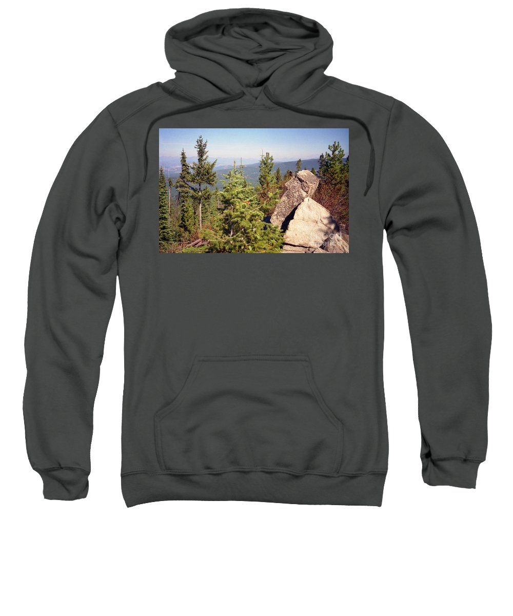 Landscapes Sweatshirt featuring the photograph The Star Gazer by Richard Rizzo